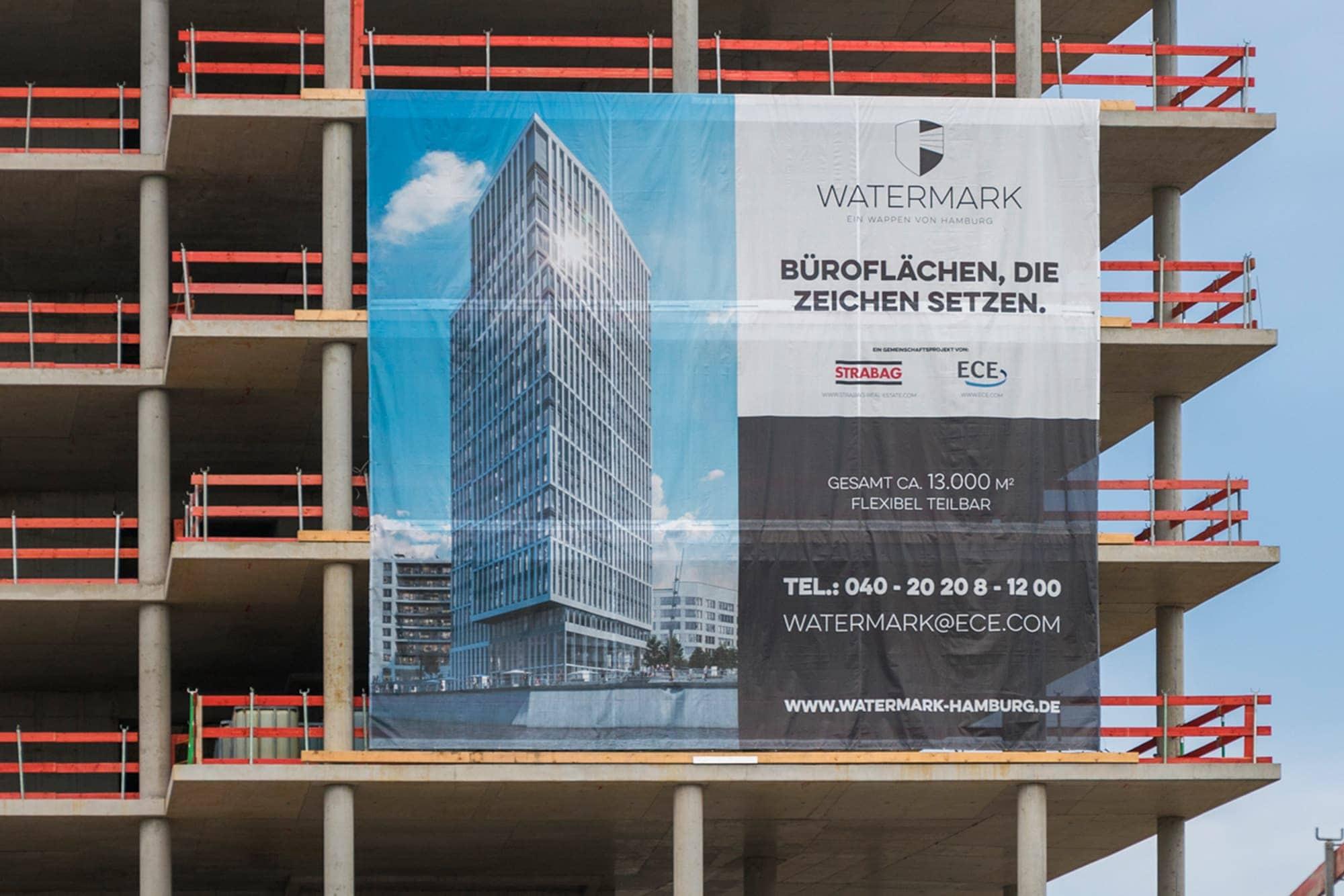 PVC-Banner sind eine hervorragende Lösung um im Außenbereich Bauzäune, Stadionzäune und Baugerüste zu kennzeichnen.
