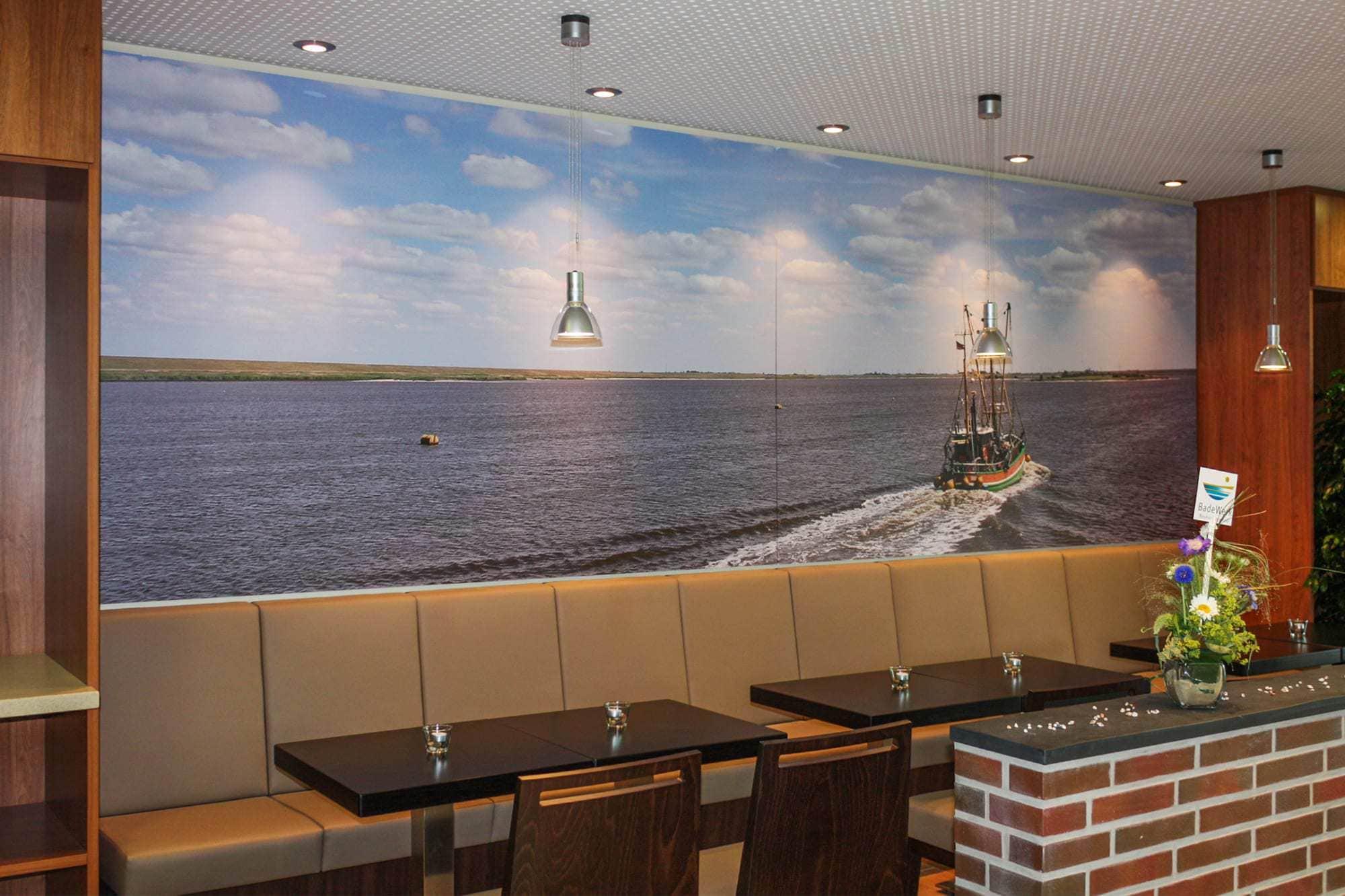 Foto gedruckt auf Aludibondplatten als Wandbild in einem Hamburger Restaurant