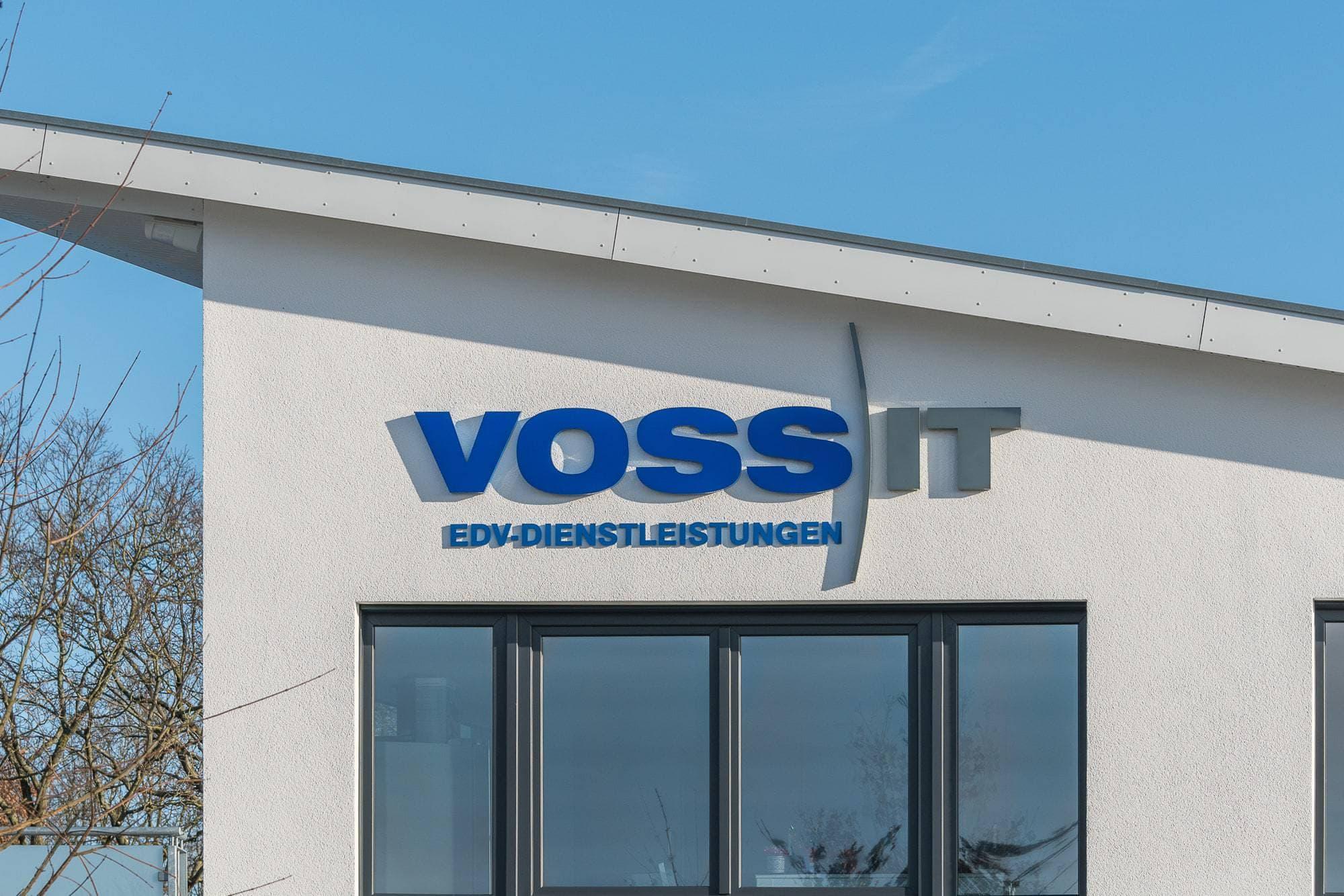 Lichtwerbung in Norderstedt mit Vollplexi LED-Buchstaben und Acrybuchstaben